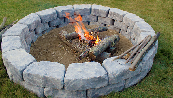 Home diy landscaping ideas do it yourself landscaping - Fire pit landscaping ideas ...