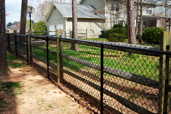 Home Fencing Options | Home Fencing Buyers Guide | HouseLogic