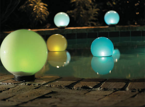 Glowing globes & Outdoor Solar Lights | Landscape Lighting | HouseLogic