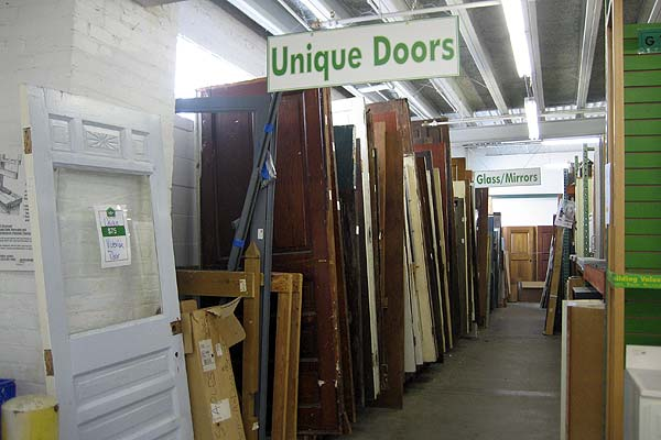 Recycling Old Wooden Doors And Windows For Home Decor: Salvaged Building Materials Shopping Advice